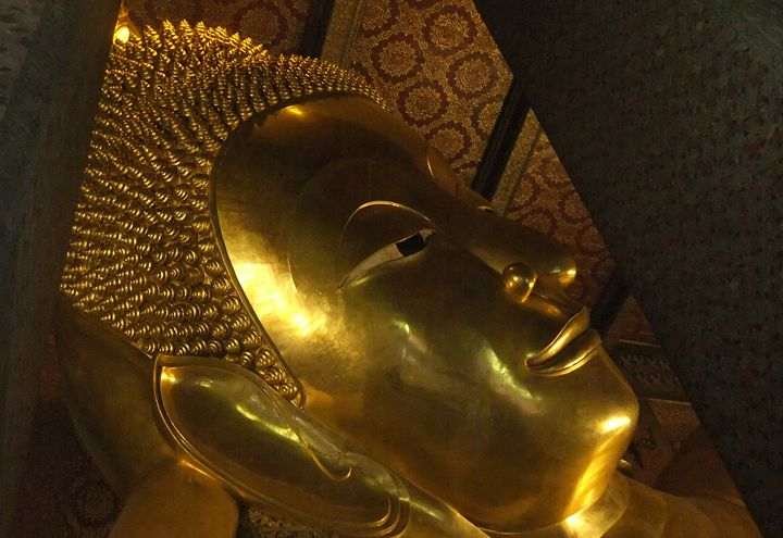 Wat Po the reclining Buddha's face - RCRayner