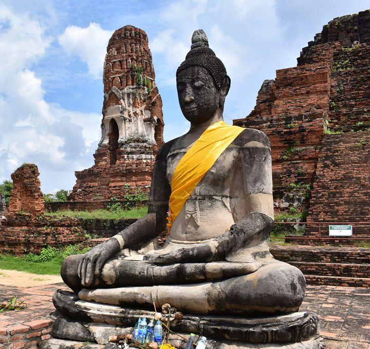 Buddha statue Wat Mahathat Ayutthaya - RCRayner