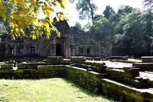 Preah Khan Temple - Headless guards
