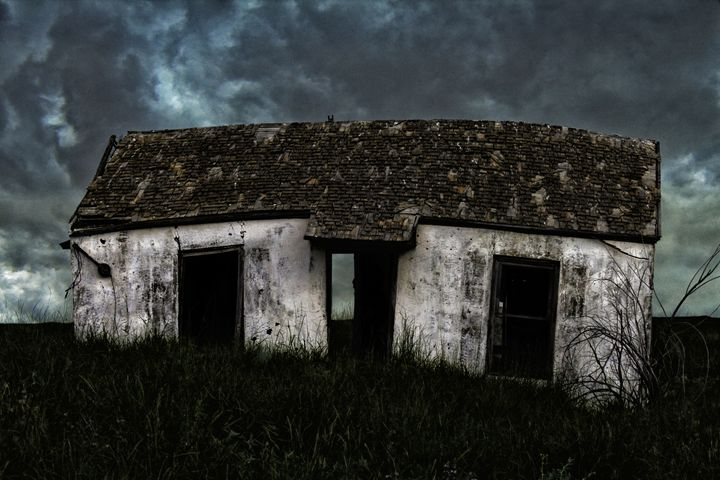 A Crooked Little House - Ron Pierce Photography
