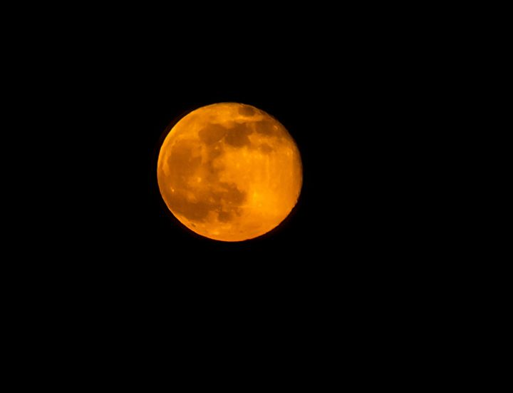 Moon in Orange - Kaaptured 4 You