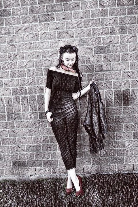 Petite Femme 02 - Hannah De Morlaix