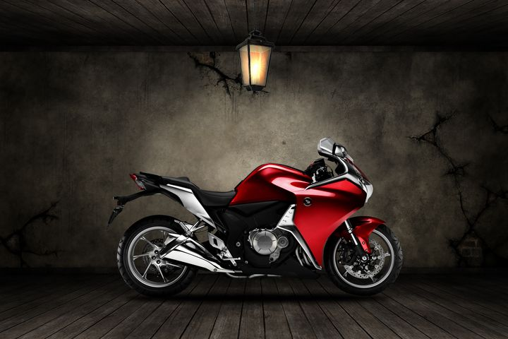 Honda VFR1200F Old Room - Stephen Smith Galleries