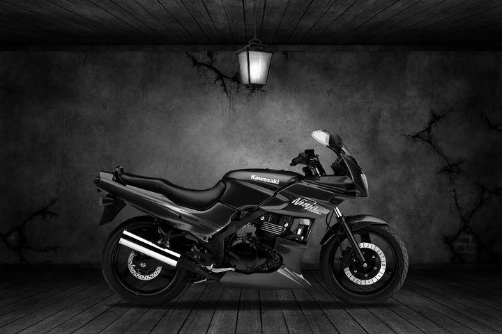 Kawasaki Ninja 500R Old Room - Stephen Smith Galleries