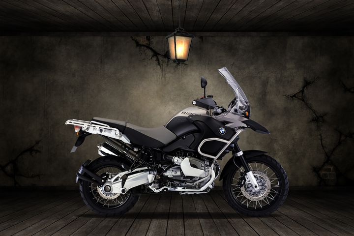 BMW R1200R Old Room - Stephen Smith Galleries