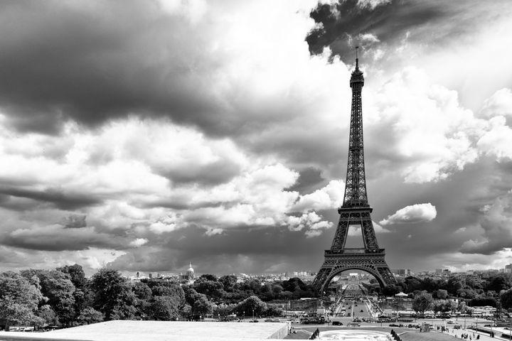Paris Skyline - Lynn Bolt Lochside Photos