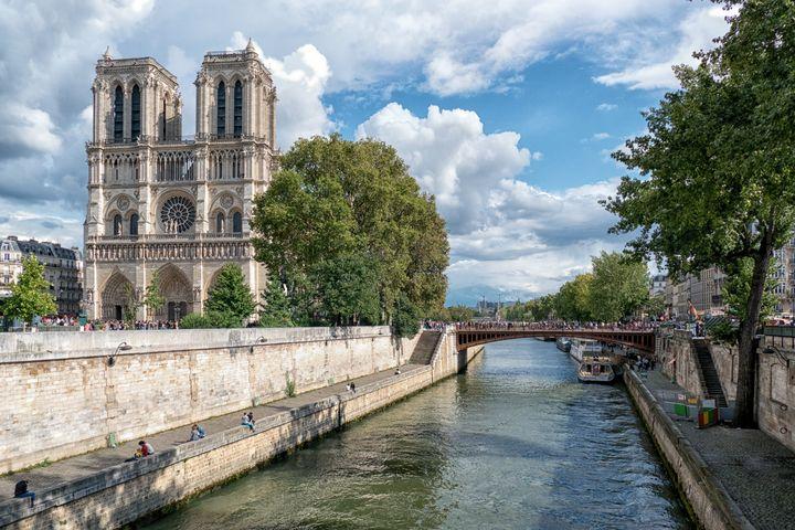 Notre Dame Cathedral Paris - Lynn Bolt Lochside Photos