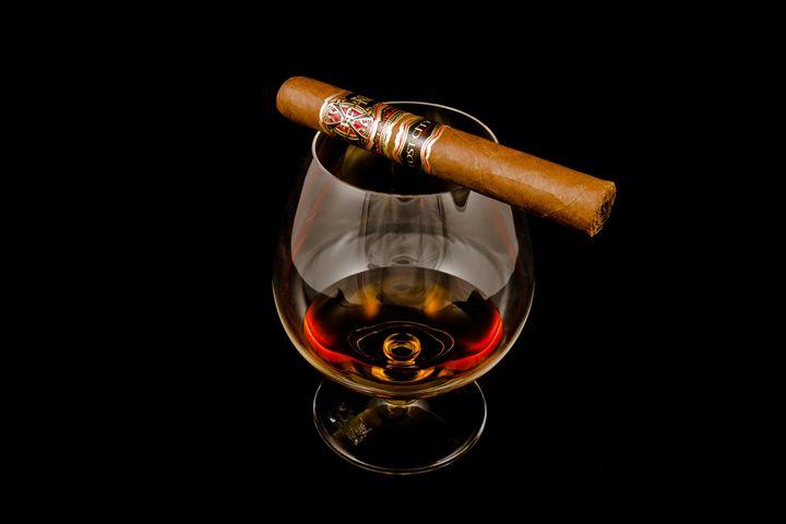 Cigar & Spirit - MTB Photography