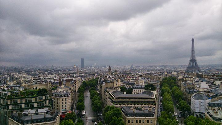 Paris - Halliday