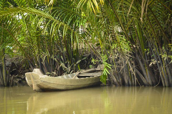 Lone Boat - Daniel S. Krieger Photography