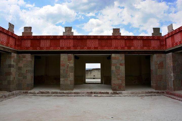 Teotihuacan antique ruins - Itzel Bee