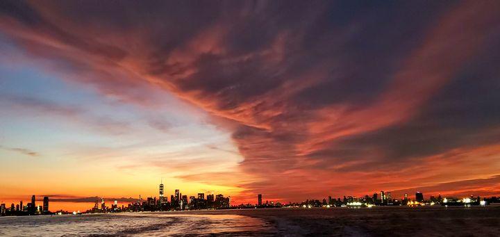 Crazy clouds over New York city - Wutphotos