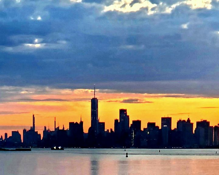 Colorful Silhouette of New York city - Wutphotos