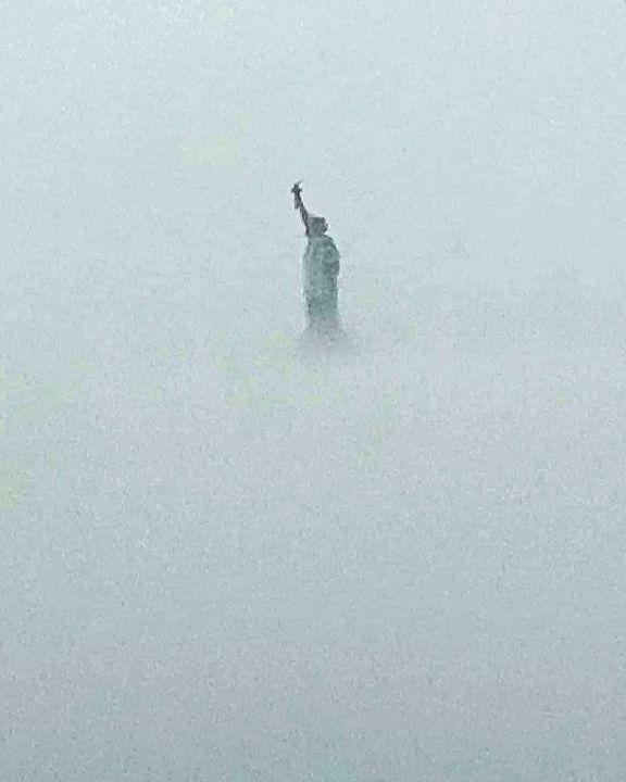 Lady in a fog - Wutphotos