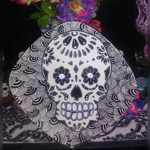 Black/White Sugar Skull Plate - An Artsy Eye