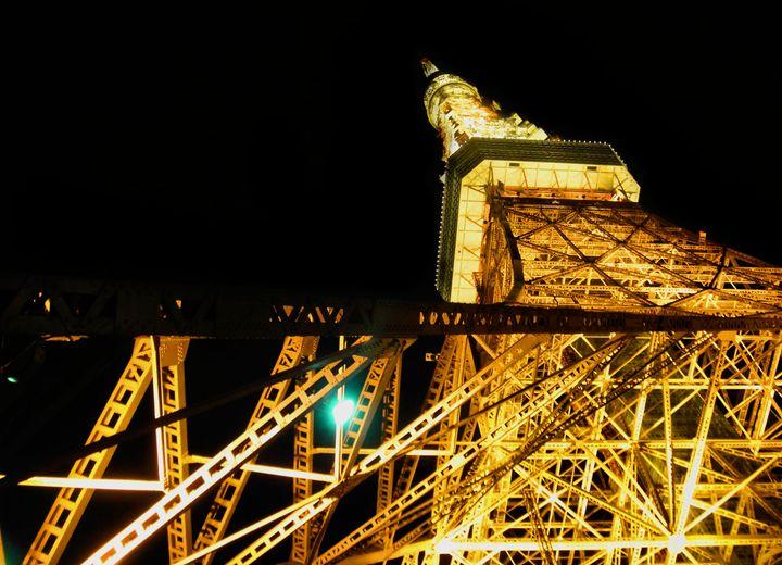 Nightly Tokyo Tower - Julie Maxwell