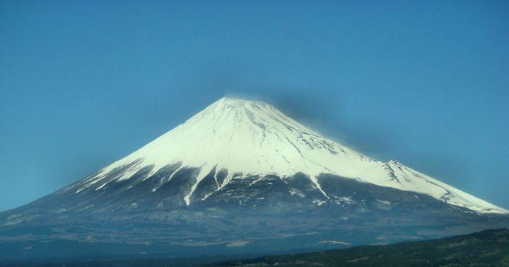 富士山 (Mt. Fuji) Japan - Julie Maxwell