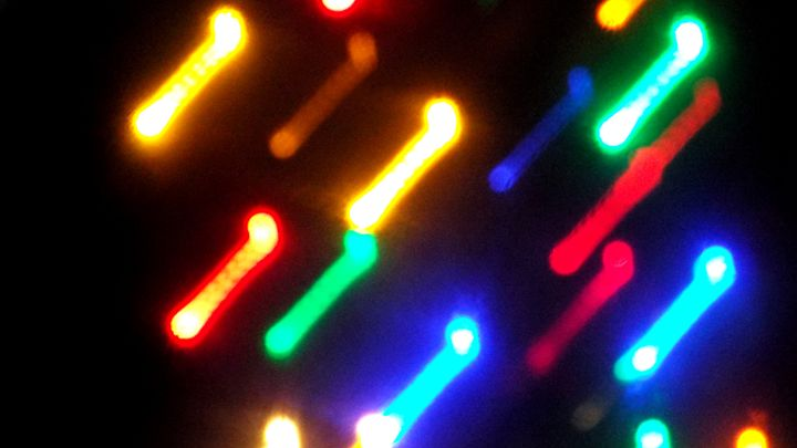 Angled Glow Lines - MammaTrain