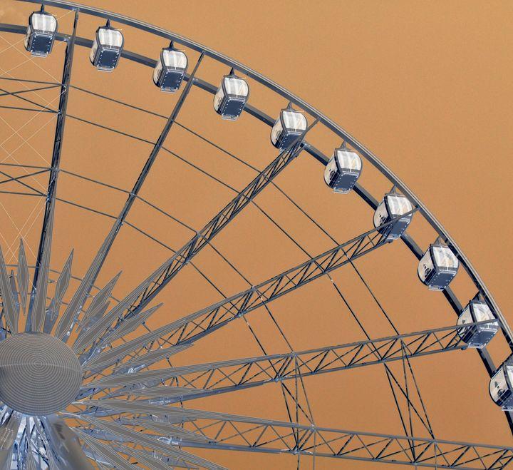 Skywheel 2 - A UniQUE Perspective