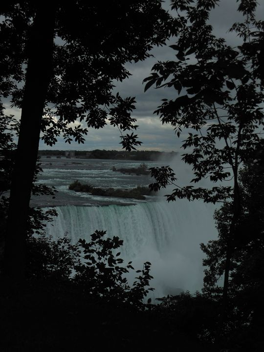 A Window to the Falls - A UniQUE Perspective