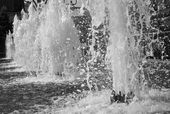 Splash! - A UniQUE Perspective