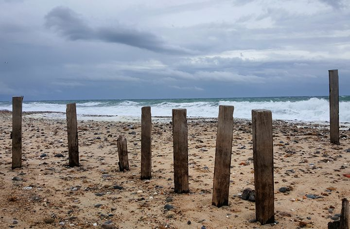 Posts and Waves - The Adhizen