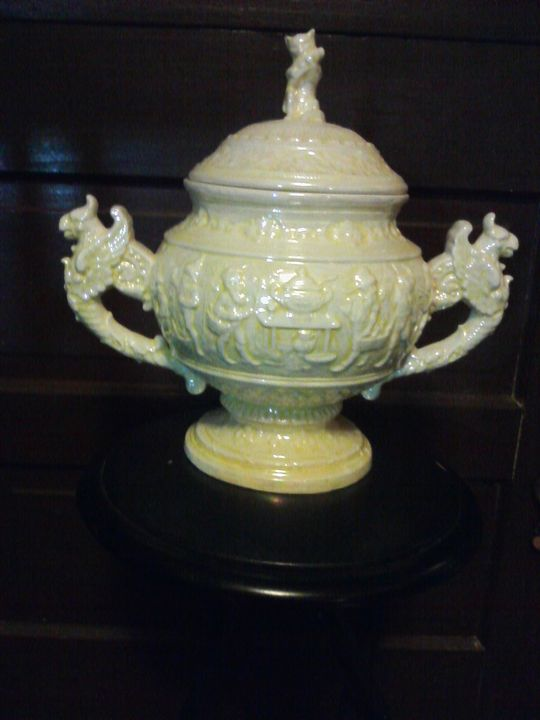 ceramic biscuit jar with top. - buff gallery