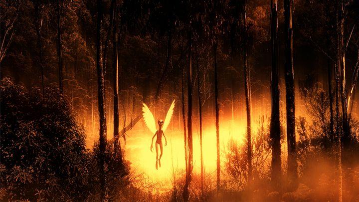 Alien Angel by Raphael Terra - Esoterica Art Agency