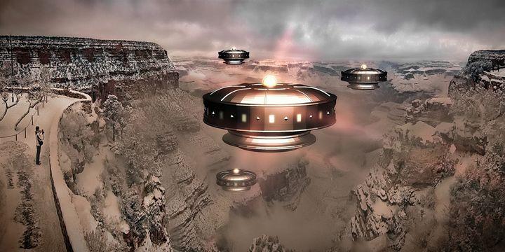 UFO Sighting by Raphael Terra - Esoterica Art Agency
