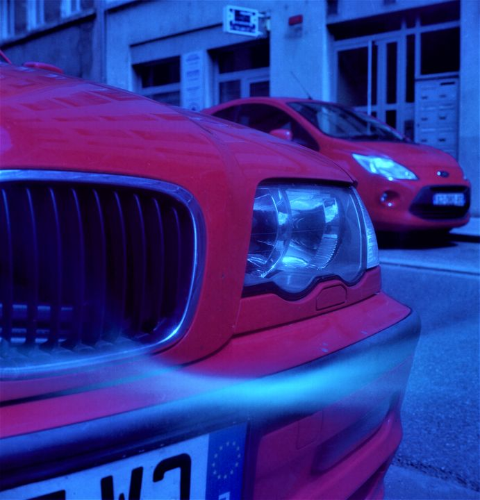 red car - Johan Chapsak