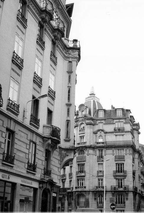 Brotteaux buildings - Johan Chapsak