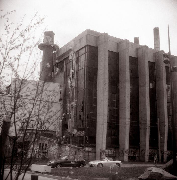 old factory - Johan Chapsak