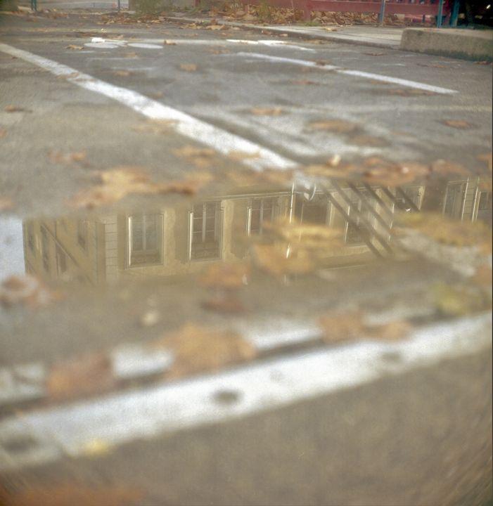 Beige puddle - Johan Chapsak