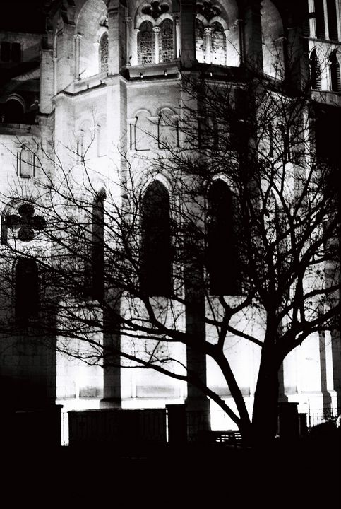 Saint Jean at night - Johan Chapsak
