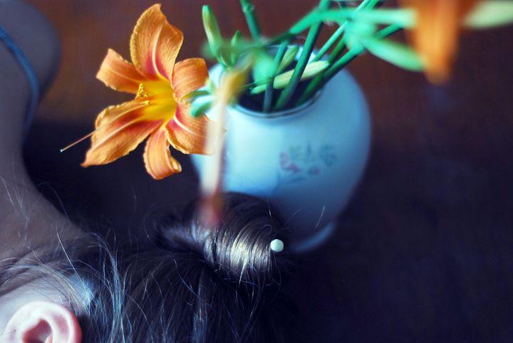 whisper - Cristina Pascu