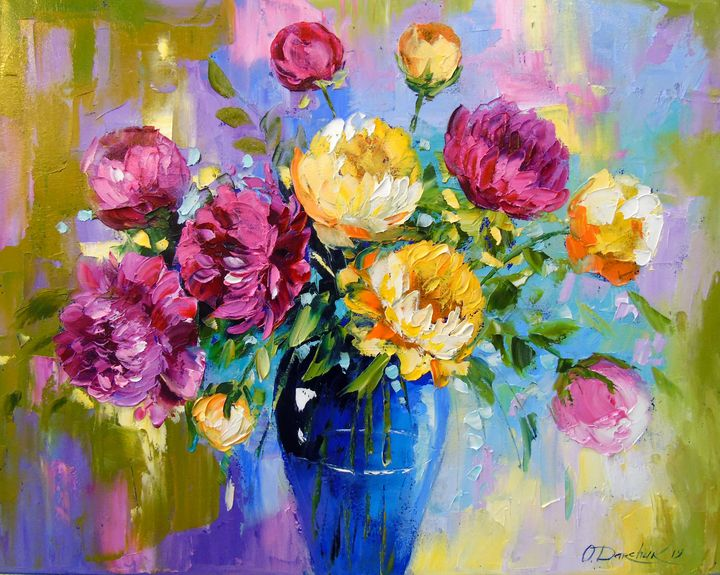 Bouquet of peonies in a vase - Olha Darchuk