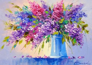 Bouquet of lilacs in a vase
