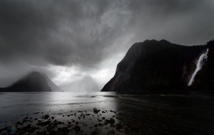 Milford Sound NZ 2 - Roseline gallery