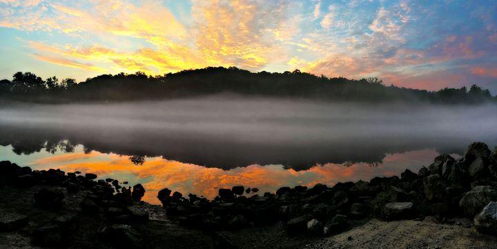 Lake Taneycomo - Leslie Johnson