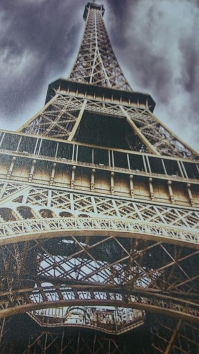 The Eiffiel Tower - Artistic Pleasures
