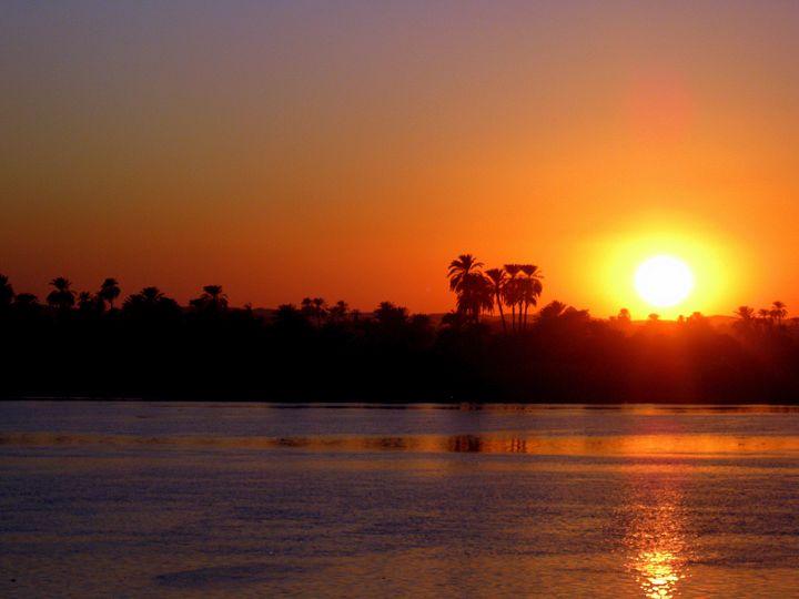 sundowner at the river Nile - Gallery Florette