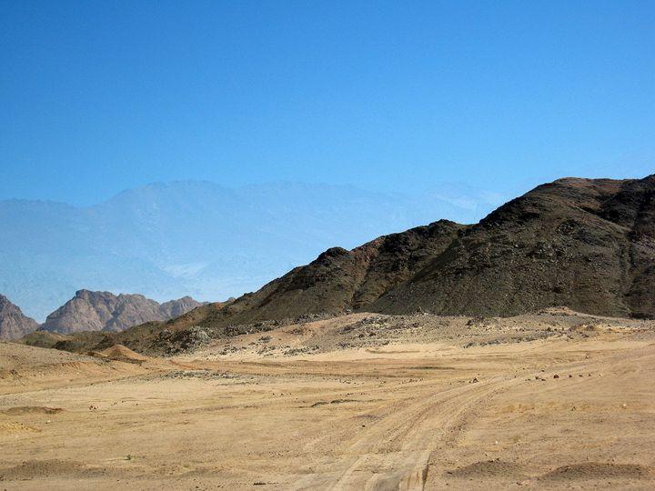the blue montagne of Egypt - Gallery Florette