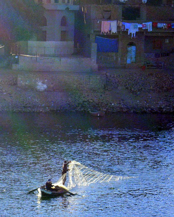 fishermen, river Nile - Gallery Florette