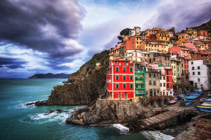 Colorful town of Riomaggiore - Aaron Choi Photography