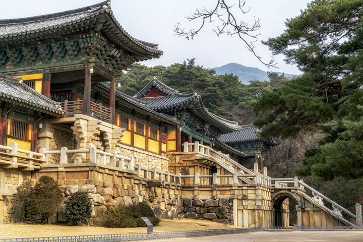 bulguksa temple gate - Aaron Choi Photography