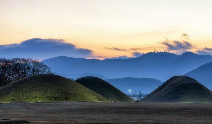 Royal mounds of korea - Aaron Choi Photography