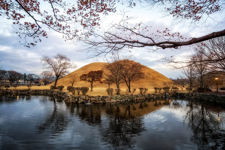 royal mounds reflection - Aaron Choi Photography