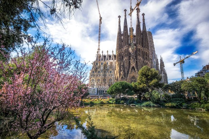sagrada familia cathedral park view - Aaron Choi Photography