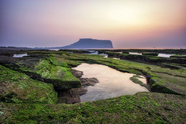 Sunrise over Jeju Island - Aaron Choi Photography