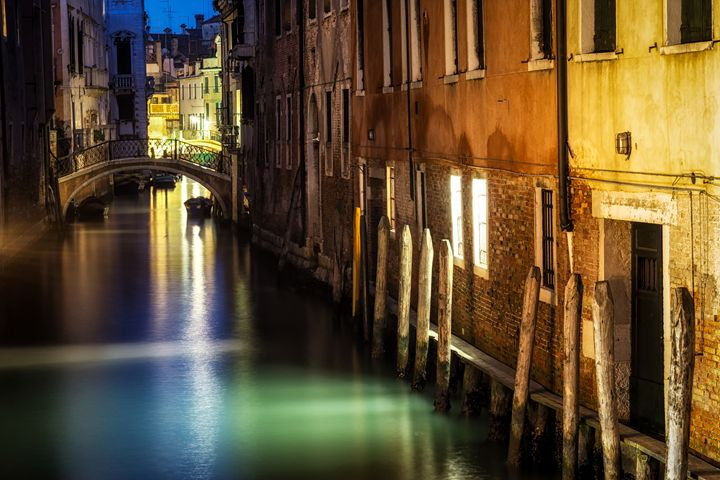 Venice canal by night - Aaron Choi Photography